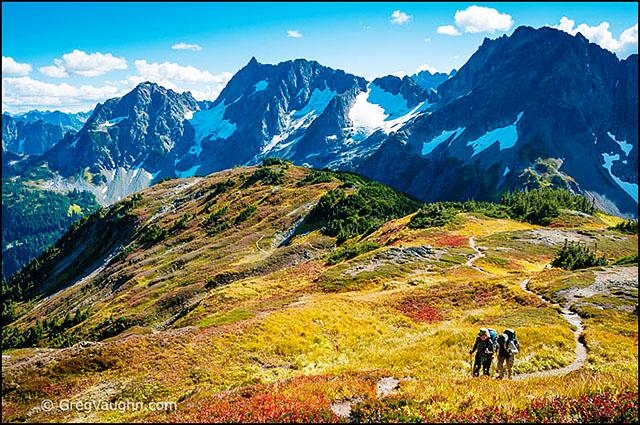 Hikers on Sahale Arm at Cascade Pass Trail, North Cascades, Washington